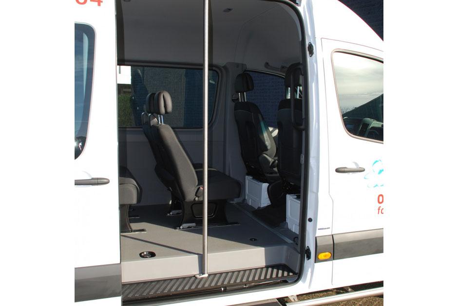 Inrichting personenbussen nationaal ouderenfonds